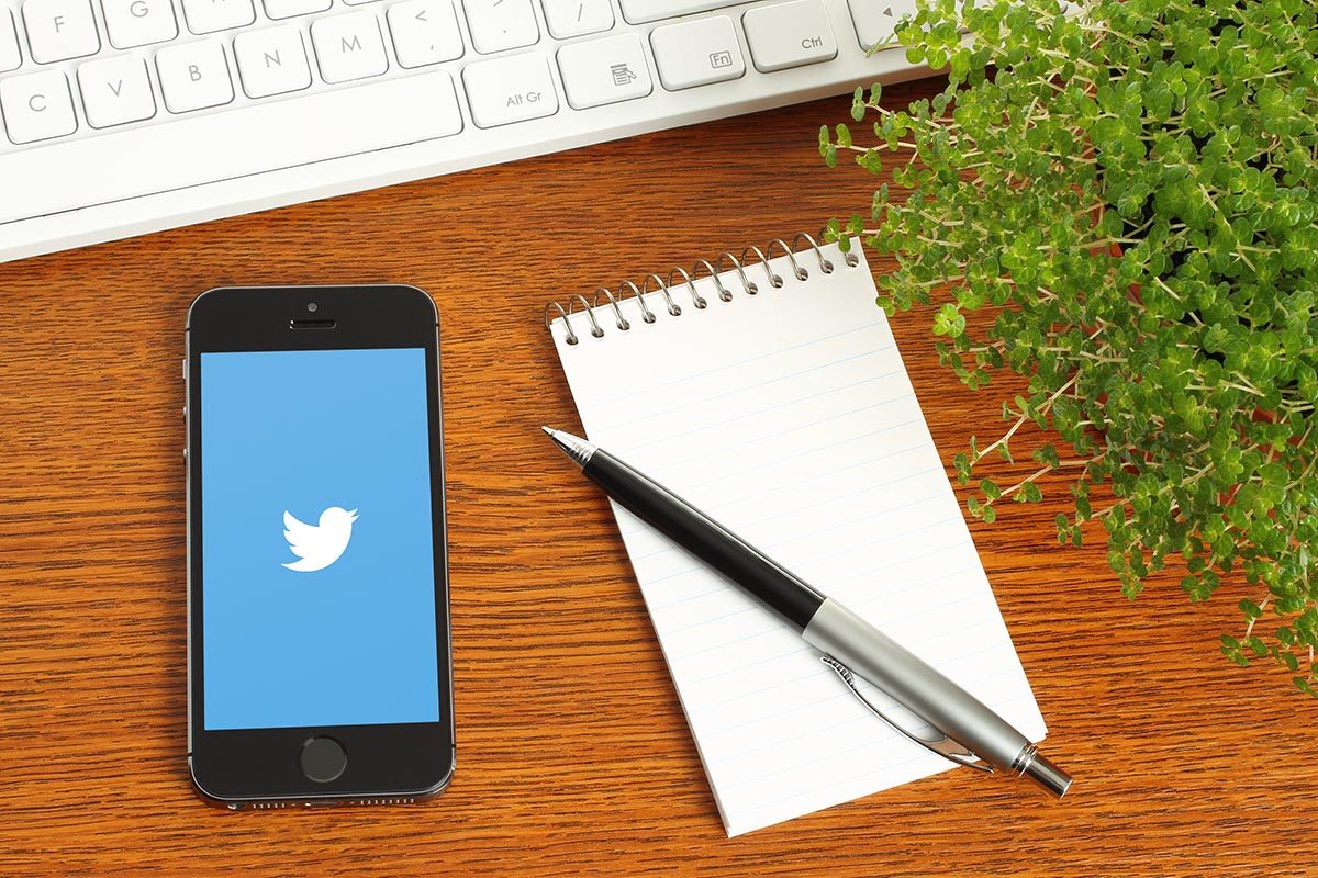 Smartphone using Twitter for marketing your business